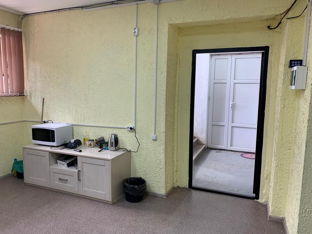 Офисное цокольное помещение 60м²